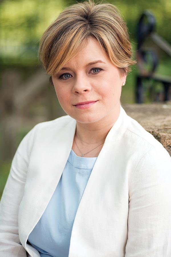 Karine Dube